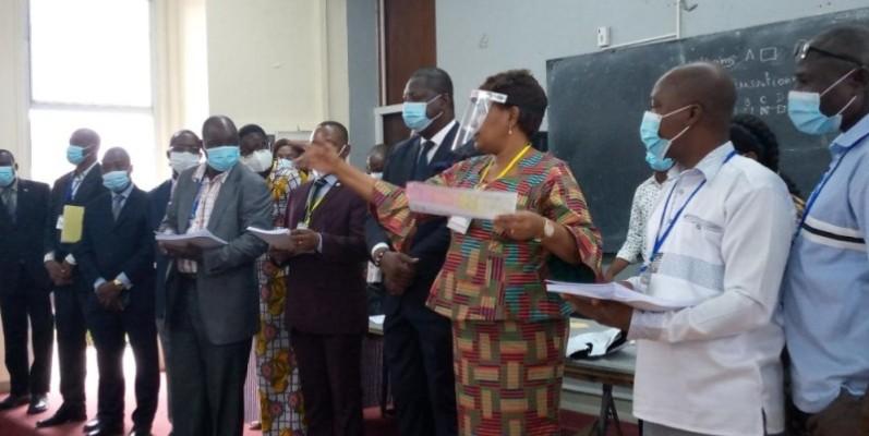 Pr Joseph Acka et Pr Méliane N'Dhatz Ebagnitchié épouse Sanogo (au centre) ont exhorté les candidats à donner le meilleur d'eux-mêmes. (DR)