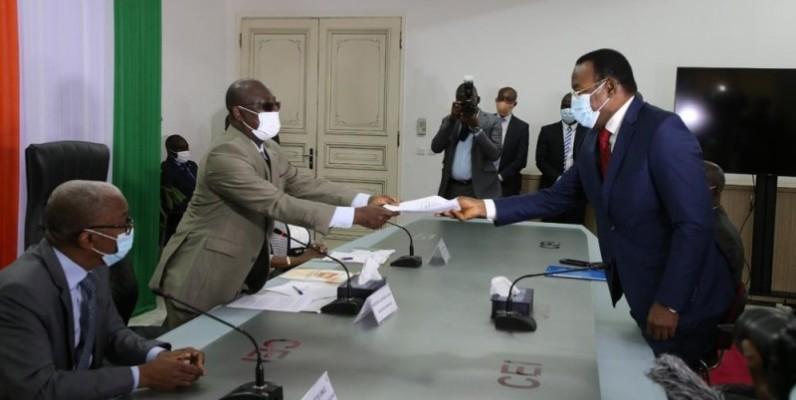 Le président du Fpi était jeudi à la Cei pour le dépôt de sa candidature à l'élection présidentielle   (Photos : Poro Dagnogo)