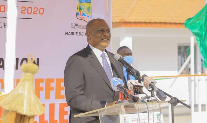Hamed Bakayoko, Premier ministre ivoirien, a appelé les Ivoiriens à la paix lors de l'inauguration du siège de la chefferie traditionnelle de Koumassi. (DR)