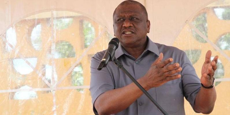 Le chef du gouvernement s'est montré exigeant envers la jeunesse invitée à ne pas porter les désaccords des politiques.