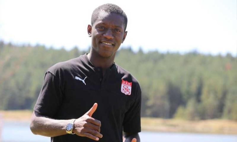 Max Alain Gradel, l'international ivoirien, prépare avec son nouveau club la nouvelle saison. (DR)