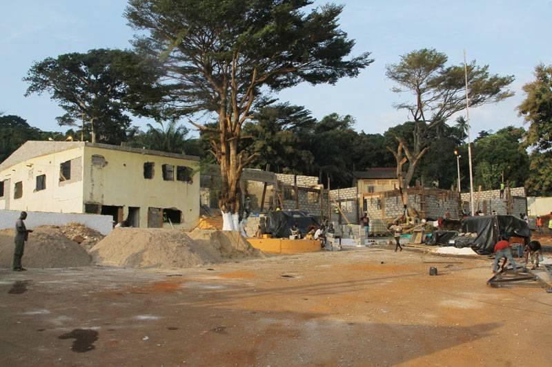 La préfecture de Bongouanou, qui abritera le Conseil des ministres du mercredi 9 septembre, est en reconstruction. (Dadié)