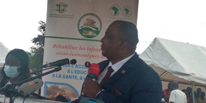 Le ministre Kobenan Kouassi Adjoumani s'adressant aux populations.(DR)
