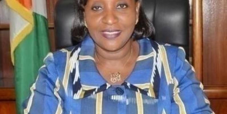 La ministre Raymonde Goudou Coffie était à Grand-Bassam où elle a donné une bonne nouvelle aux populations.(DR)