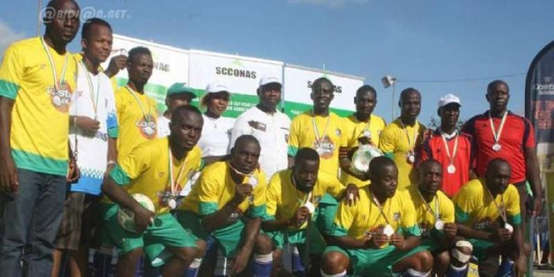 L'équipe de Gemc, triple champion en titre. (Dr)