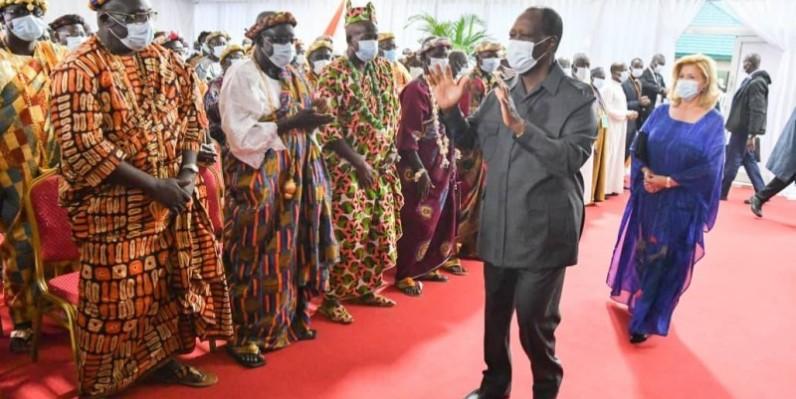 Alassane Ouattara, Chef de l'État salue les populations du Moronou. (DR)