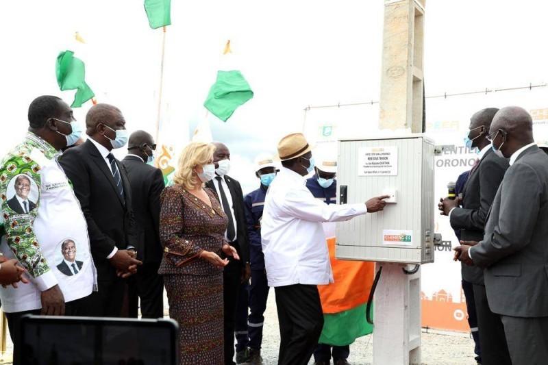 Alassane Ouaattara a procédé à des mises sous etnsion du réseau électrique à M'batto. (Joséphine Kouadio)