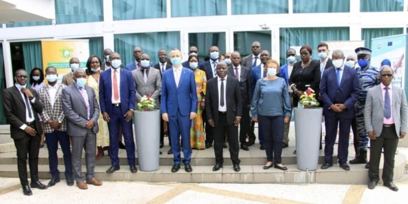 Les différentes parties prenantes à ce programme ont pris part à la cérémonie d'ouverture. (DR)