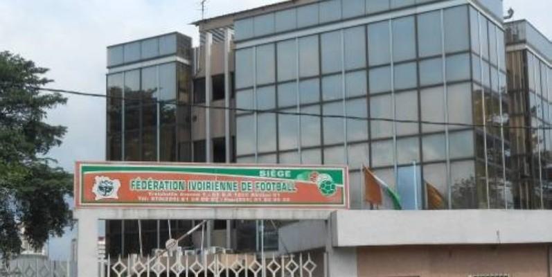 Des menaces planent sur le football ivoirien à la suite de la suspension du processus électoral. (DR)
