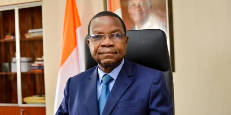 Le Pr Joseph Séka Séka, ministre de l'Environnement et du Développement durable, a lu la déclaration du gouvernement. (DR)