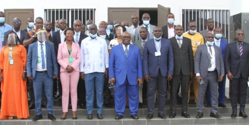 Les représentants des communes du District d'Abidjan se sont joints aux communes pilotes afin d'évaluer leurs capacités institutionnelles. (DR)