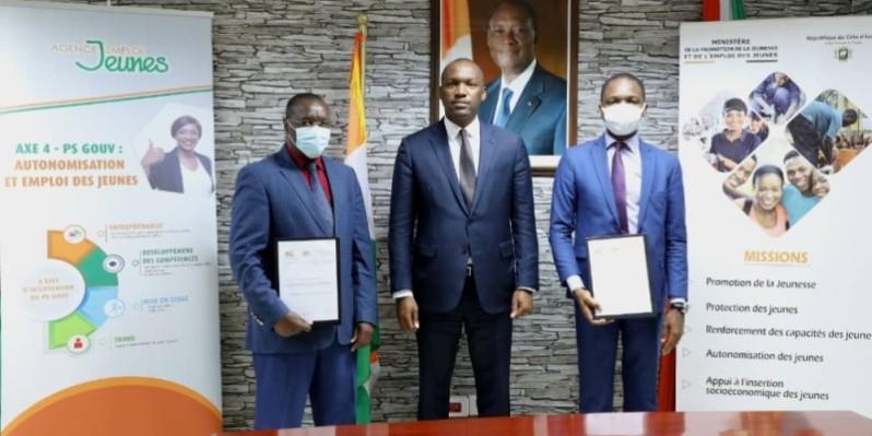 Le ministre Mamadou Touré (au centre) a annoncé que ce projet d'assainissement vise 32000 jeunes, à terme. (DR)