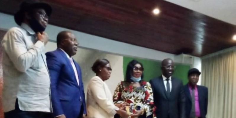 Les deux délégations ont estimé qu'il est nécessaire de sortir les artistes de la précarité. (DR)