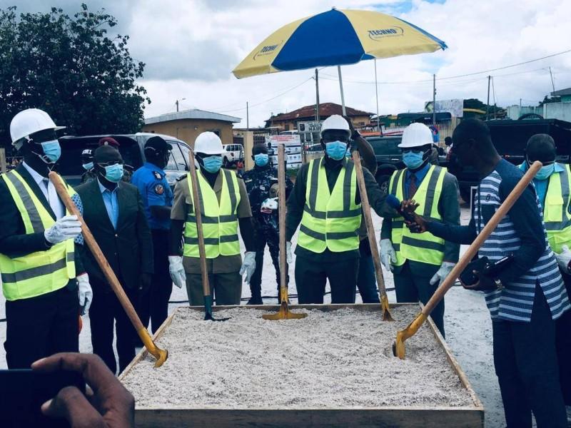 le ministre Sidi Touré a lancé jeudi les travaux de bitumage de 5 km de voirie à Béoumi