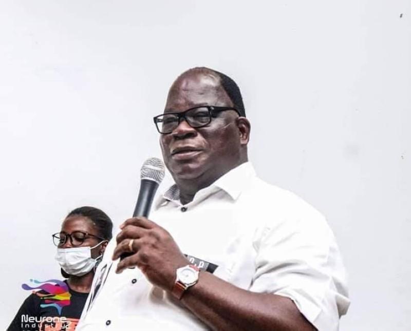 Le ministre de l'Hydraulique, Laurent Bogui Tchagba