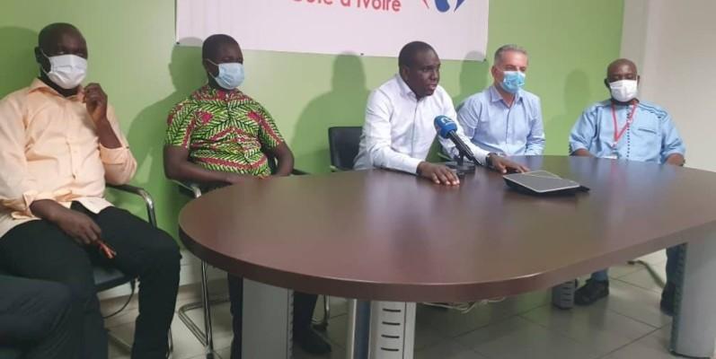 Pascal Bordeaux, directeur général de Cfao Retail (2è à partir de la droite), se réjouit de la reprise des discussions avec les partenaires sociaux. (DR