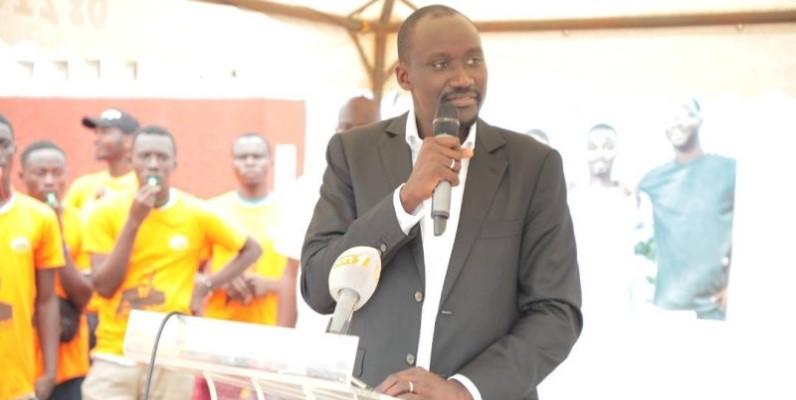 Le ministre du Pétrole, de l'Energie et des Energies renouvelables, Abdourhamane Cissé, a mis en place un fonds pour aider des jeunes et femmes de Port-Bouët. (DR)