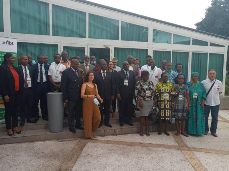 Les experts nationaux et internationaux engagés pour améliorer les connaissances des acteurs ivoiriens en faveur de la préservation de la forêt. (DR)