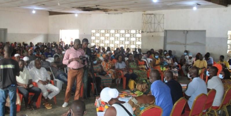 Les commerçants se sont engagés à œuvrer, dorénavant, pour la paix et la cohésion sociale dans la ville. (Sébastien Kouassi)