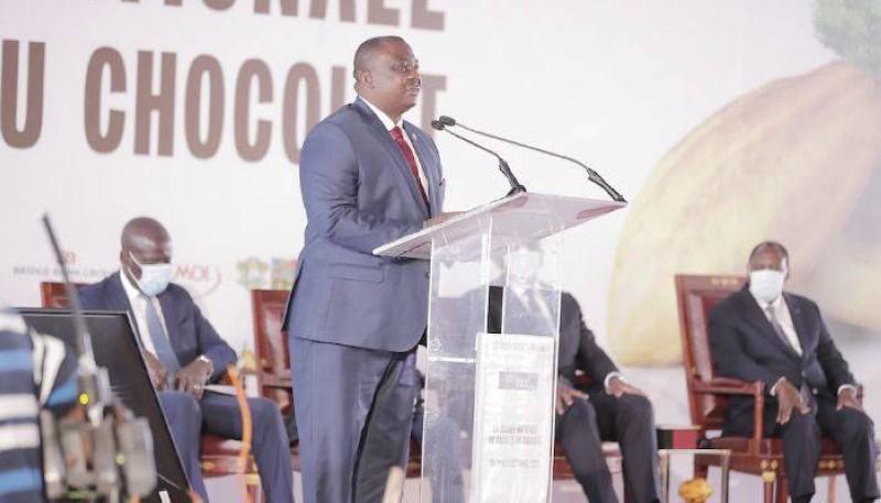 Le ministre de l'Agriculture et du Développement rural, Kobenan Kouassi Adjoumani, invitant les producteurs de cacao à soutenir le Président Ouattara. (DR)