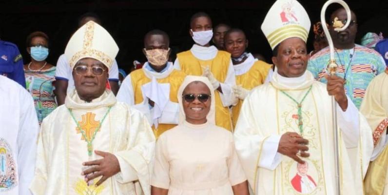 La religieuse a reçu le soutien des évêques Aké et Touabli. (Dr)