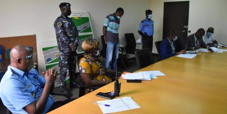 La commission spéciale de suspension et de retrait du permis de conduire au cours de sa session ordinaire. (ministère des Transports)
