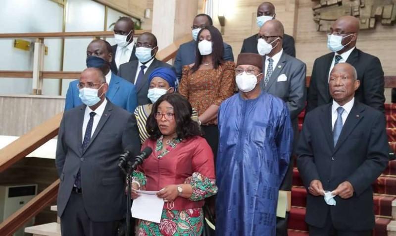 Les membres de la mission conjointe de haut niveau composée de la Communauté Economique des Etats de l'Afrique de l'Ouest (CEDEAO), de l'Union Africaine (UA) des Nations Unies (ONU) et du Conseil de l'Entente (DR)