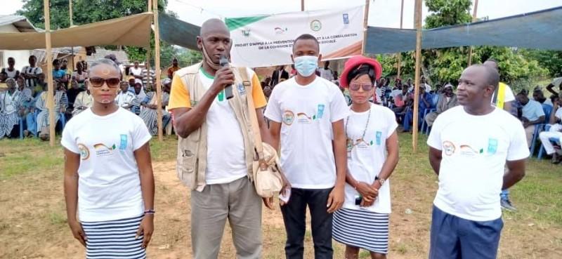 Les experts de l'Ong Eicf ont sensibilisé les populations de Danané et Zouan-Hounien aux valeurs de paix et du vivre ensemble durable. (Dr)