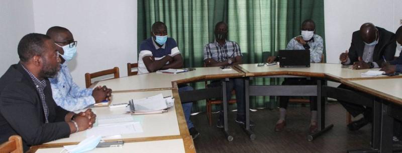 La séance de travail entre le DGA, les délégués du personnel et syndicaux. (Joséphine Kouadio)