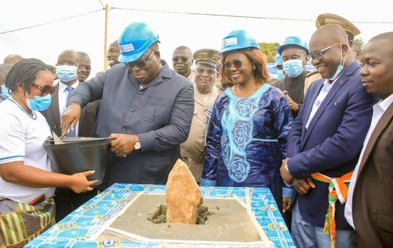 Pose de la pierre du lancement des travaux de renforcement de l'alimentation en eau potable (DR)