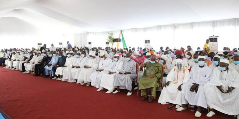Les chefs, les guides religieux et les cadres ont répondu nombreux lors de l'échange avec le Président de la République. (Photos : Poro Dagnogo)