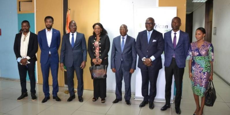 Le satisfécit du gouvernement ivoirien a été exprimé par le directeur de Cabinet du ministre de l'Économie et des Finances (au centre). (DR)