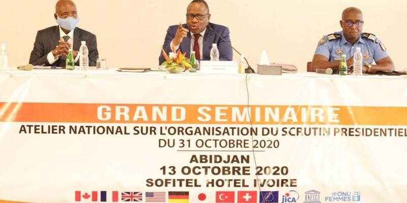 Le Président de la Cei Coulibaly-Kuibiert Ibrahime (au centre). (DR)