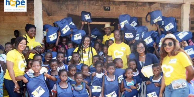 Par son action,Hope Charity apporte le sourire à plus de 600 écoliers. (Photo : Dr)