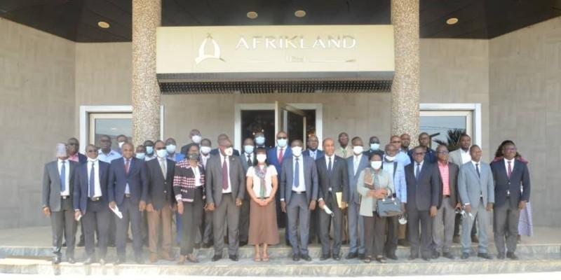 Les parties prenantes à l'élaboration de la stratégie nationale se sont retrouvées en atelier à Grand-Bassam. (Dr)