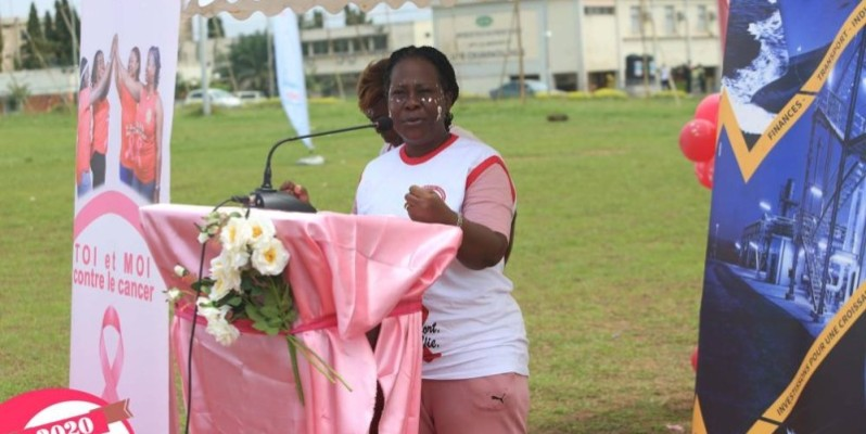 La présidente de la fondation Mme Beugré Phox