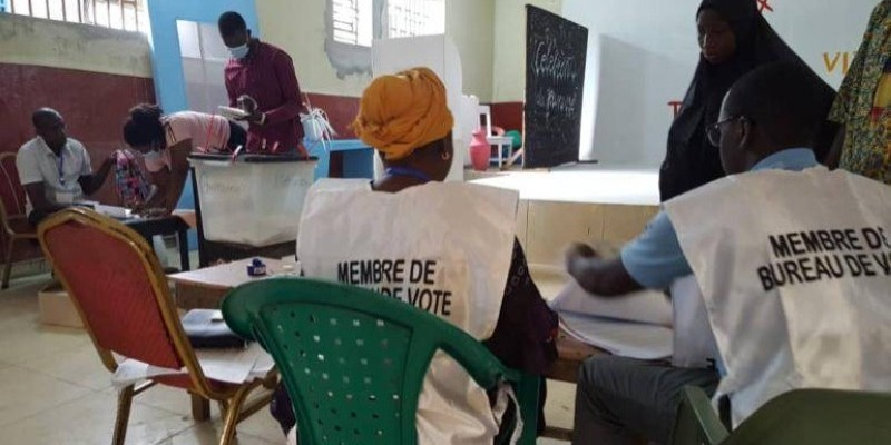 À peine le premier tour de la présidentielle passé, le camp de Cellou Dalein Diallo, le candidat de l'opposition annonce ses résultats.(DR)