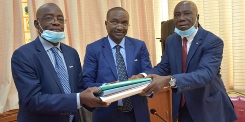 Bouleima Balima reçoit ses dossiers. (DR)