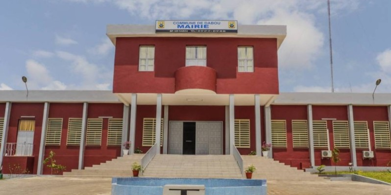 Une vue de la mairie de Dabou. (Dr)