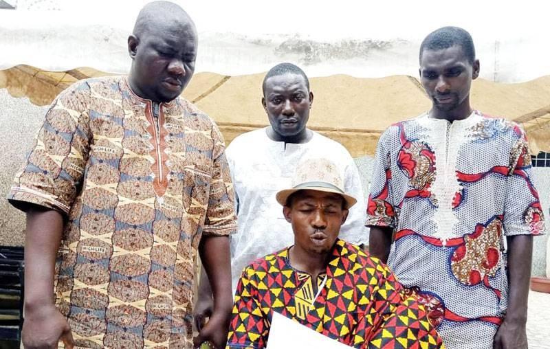 Des jeunes d'Akouédo félicitent le gouvernement pour les mesures d'accompagnement après la fermeture de la décharge. (Dr)