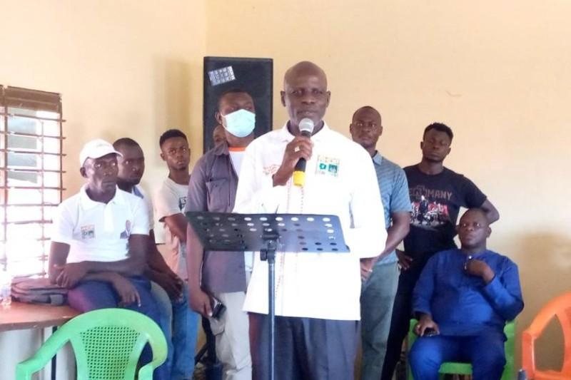 Le ministre Adama Diawara lors de son annonce à Ouangolodougou.