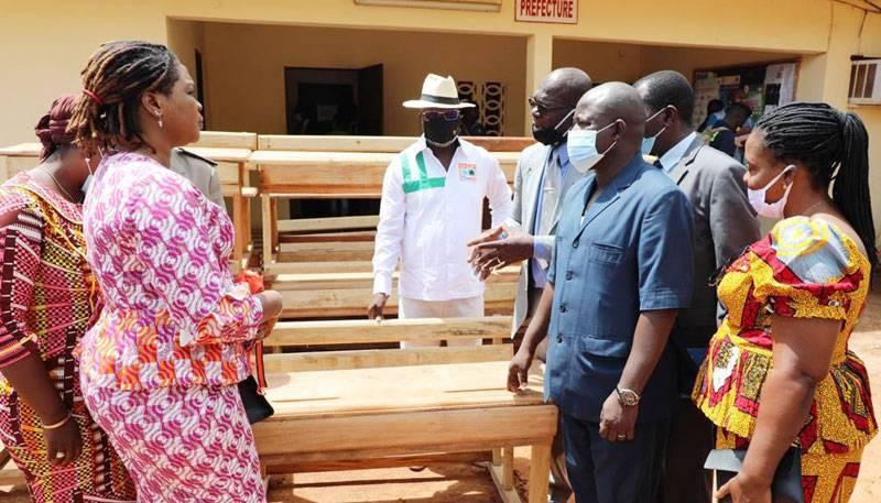 La communauté éducative de San Pedro a bénéficié de dons de la part du candidat Alassane Ouattara. (Dr)