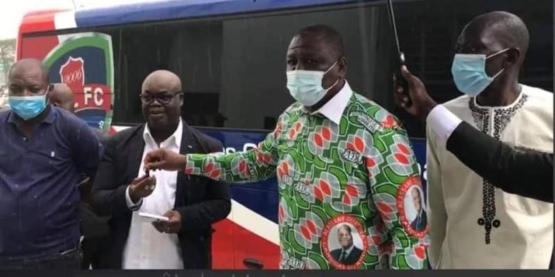 C'est un président de Sol Fc heureux qui a réceptionné les clés des mains du Premier ministre. (Dr)