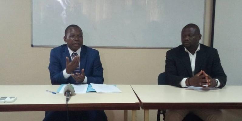 Me. KONE SIRIKI (à gauche) estime qu'une solution spirituelle permettra à la Côte d'Ivoire d'éviter une autre crise.