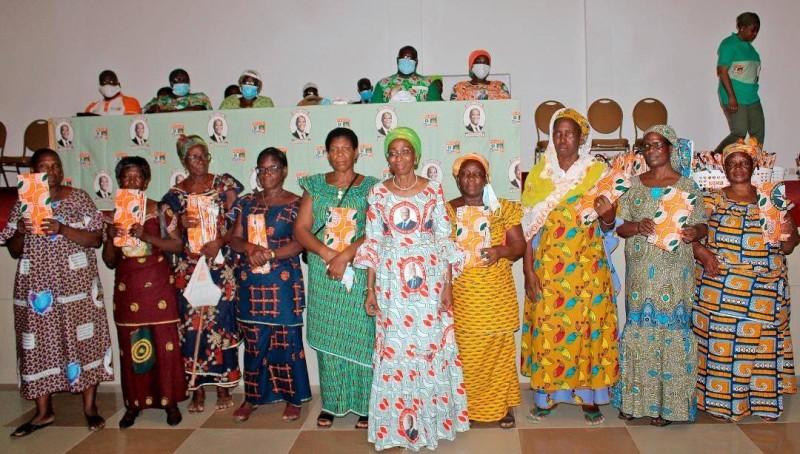Ramata Ly Bakayoko et les femmes de chefs traditionnels du N'Zi