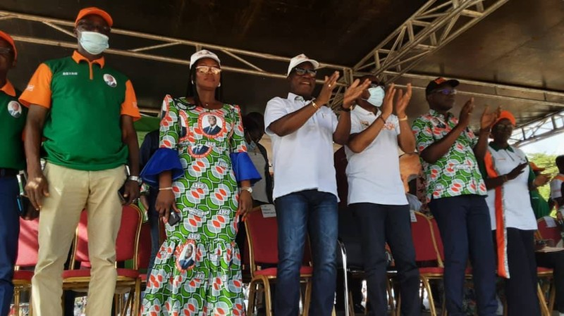 Le directeur local de campagne d'Alassane Ouattara a offert un concert de taille aux populations de Botro.