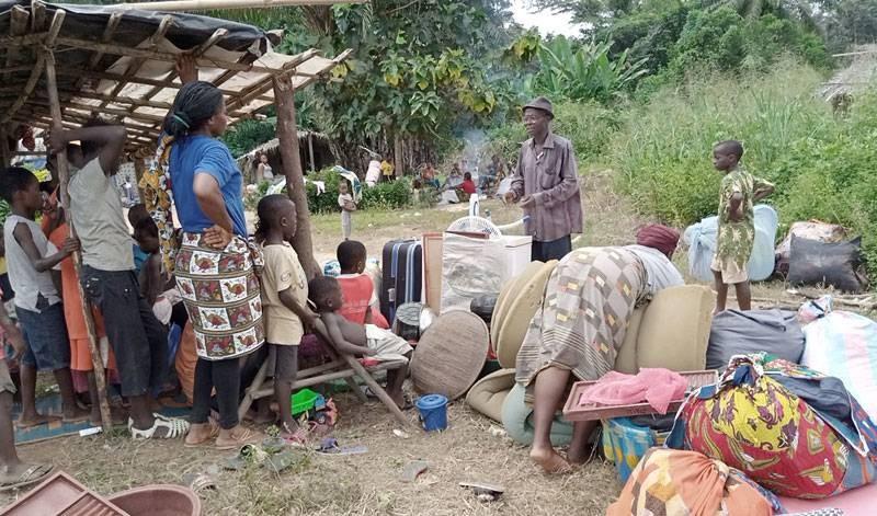 Une vue des « déplacés de rumeurs » à la frontière ivoiro-libérienne sensibilisés par le chef du village. (Photo : Saint-Tra Bi)