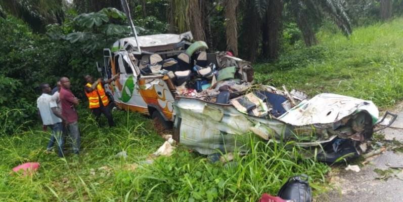 Le minicar complètement détruit. (Dgpn)
