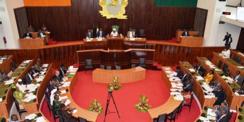 Pour une première rencontre après la présidentielle du 31 octobre, les députés ont fortement répondu présent à la plénière.