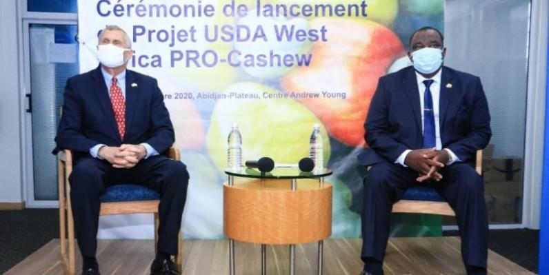 Le ministre (à droite) et l'ambassadeur ont salué la qualité des relations entre les deux pays. (Dr)